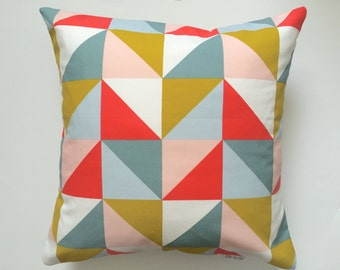 Cushion geometric triangle mustard/grey/coral/glacier