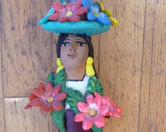 Flower vendor Ceramic figurine made in Mexico, Josefina Aguilar