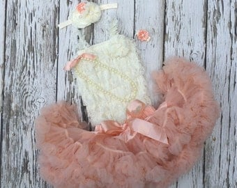 Baby girl first birthday outfit. 2nd birthday. Peach birthday. Cake smash outfit girl. Birthday tutus. 1st birthday tutu. Petti skirt
