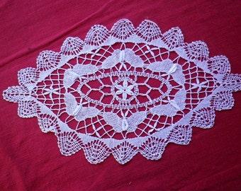 Doily in bobbin lace, handmade