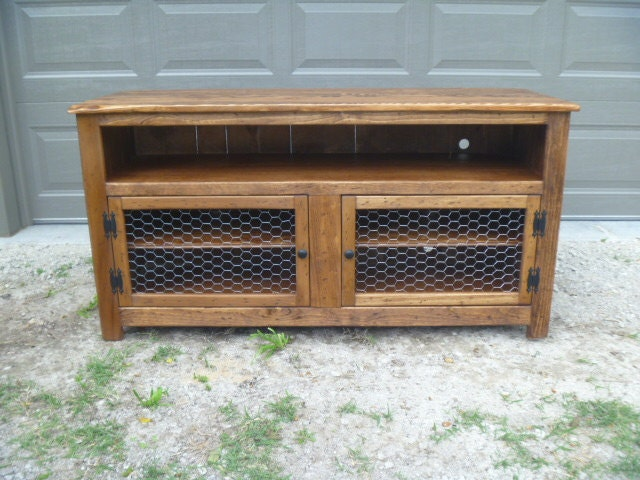 Rustic Pallet Tv Stand Enclosed Back Chicken Wire Doors
