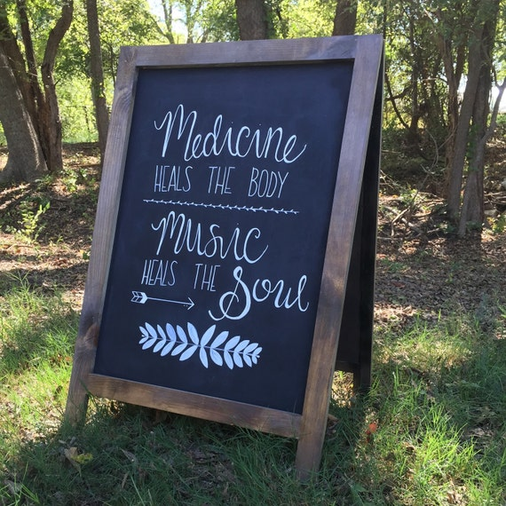 how to make a chalkboard sidewalk sign