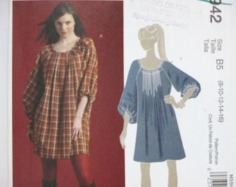 McCall's 5942 ~ Flowy, Pullover Tunics or Dresses with Front and Back Pleats, Back Yoke and Bound Neck Edge SIZE 8-16 UNCUT Sewing Pattern