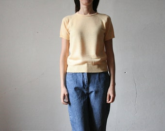 Vintage yellow knitted top with short reglan sleeves