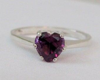 Alexandrite Heart Ring in Sterling Silver, 6mm Alexandrite Gemstone, Color Change Gemstone, Lab Grown, Alexandrite Jewelry, Alexandrite Ring