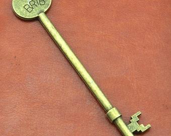 5 pcs Antique Bronze BR1B Key Charms Antique Bronze Key Pendants - 94x19mm----G1804