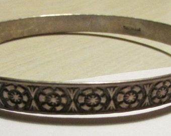 Sterling Silver Flower Design Bangle Bracelet