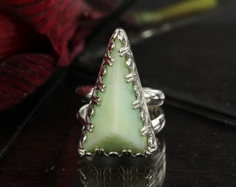 Chrysoprase ring - Green ring - Statement ring - Triangle ring - Handmade