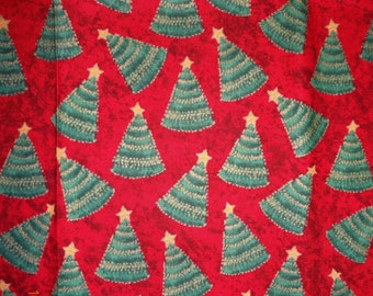 """Tossed Christmas Tree Allover Print Holiday Fabric Remnant - Approx 18"""" x 36"""""""
