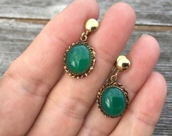 Green cabochon earrings -- 185
