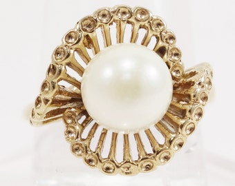 Vintage Mid- Century Pearl Ring Unique Design 14k Solid Yellow Gold 1950's
