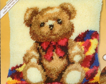 TEDDYBEAR Latch Hook Cushion Front Kit 16 x 16 ins