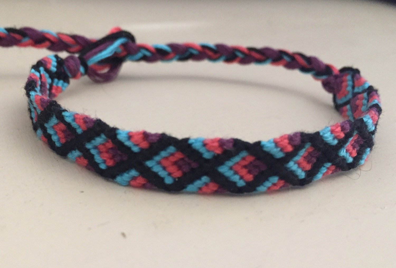 bright colored diamond pattern friendship bracelet. Black Bedroom Furniture Sets. Home Design Ideas