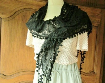 french lace shawl, romantic lace, Venise
