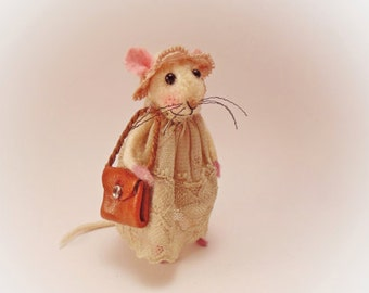 Needle Felted Mouse, Little Art Doll, Mice, Soft Sculpture, Collectible, White Mouse, Waldorf Animal, Original Artwork, Little Mice