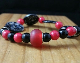 Black and Red Stretchy Bracelet