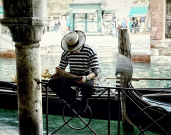 Gondolier photo, Italy photography, Travel photography, Venice Italy, Gondolier, Italy photo, Gondola photo, home decor, travel decor