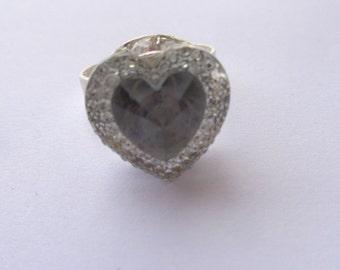 Cabochon-shaped heart glued on base ring