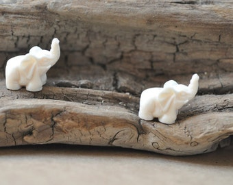 Carved Elephant Beads Drilled in the Center 12x15MM (2PCS)