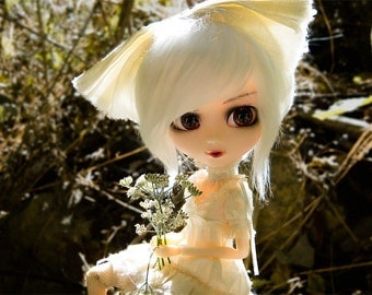 White Pullip, Taeyang, Isul & Dal Faux Fur Doll Wig With Gripper Elastic — Choose Your Size!