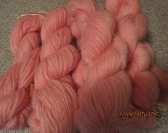 Icelandic pure wool, hand dyed with Cocineal 090915-4. 50 gr. pr skein.