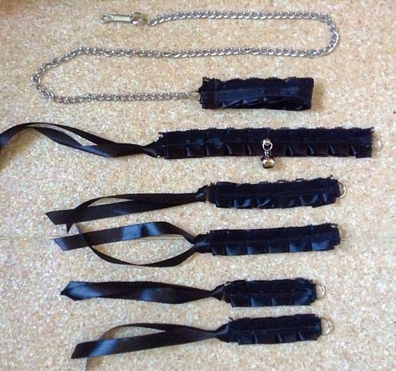 Create your own bondage collar