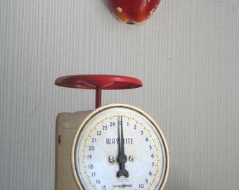 Vintage Hanson Way Rite Kitchen Scale