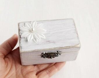 Beach Ring Box, Shabby Chic Ring Box, White Ring Holder, Beach Wedding Ring Box, Rustic Ring Bearer, Custom Ring Box, Beach Ring Bearer Box