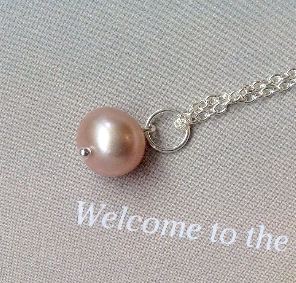 Peach Pearl Necklace: Peach Freshwater Pearl Pendant Pearl Necklace June