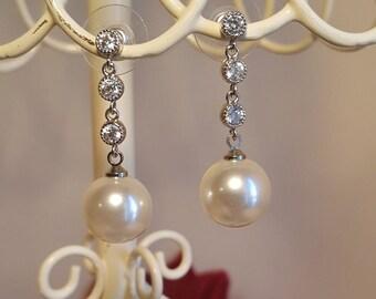 Bridal Pearl Drop Earrings / Wedding Pearl Drop Earrings