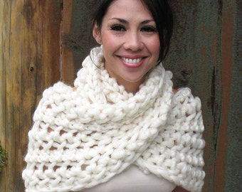 SILK MERINO COWL. Luxuriously thick, soft boldly textured Infinity Loop Knit Scarf. Handmade. Gift Package with Ornament Tag. Color Ivory