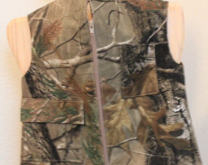HALF PRICE ** Camo Hunter Explorer Vest. Child Size X-Small Lined Denim Camo Zip Front Vest with Pockets for magnifying glass, bugs, snakes.