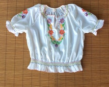 Vintage 1950s/60s Embroidered Peasant Blouse / Hungarian Blouse / Kalocsa / Smocked Crop Top