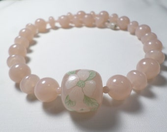 Beautiful Vintage Pretty Pink Lucite Beaded Choker Necklace With A Floral Transfer and A Barrel Clasp  DL#7075