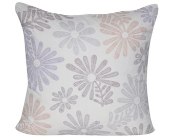 "Loom and Mill 22""x22"" Tossed Daisy Decorative Pillow"