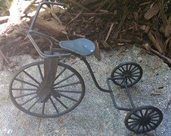 Vintage Tricycle - Black Metal