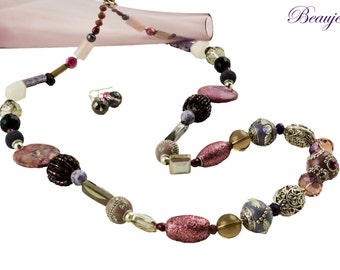 Purple necklace Pink necklace Gemstone jewellery Semi precious long necklace Glass beads Elegant Beauje Handcrafted Vermeil