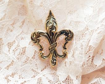 """Vintage Fleur De Lis """"Pindent"""""""