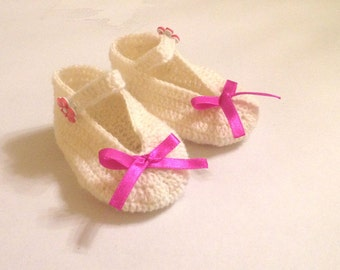 White Crochet Baby Booties, Baby Girl Slippers, Baptism slippers,Baby girl Crochet Booties, Crochet baby shoes