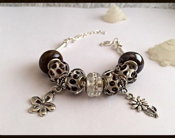 Bracelet charm's Brown, white with simple yet ref 563