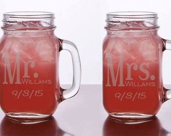 Mason Jar Glasses Set of 2, Personalized Wedding Glasses, Rustic Mason Jar Glasses, Personalized Toasting Glass, Bride and Groom glasses