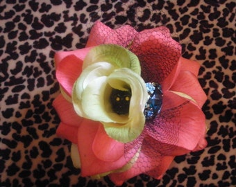 Pin Up, Rockabilly, Tiki Flowers, and Dia De Los Muertos style flowers for all occasions
