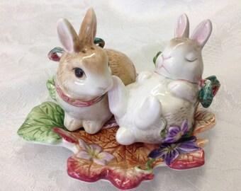 Fitz and Floyd Fall Autumn Classics Bunny Rabbit Hand Painted Salt Shaker Set