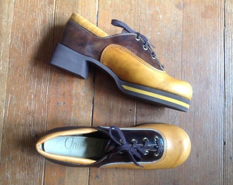 1960s Two tone brown leather platform shoes Sz 7