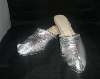 vintage beacon merry mule classic gold genie elf