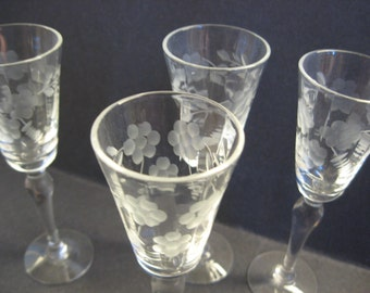 Cordial Glasses,Set of 4, Clear Etched Glass, Flowers, Leaves, Vintage Glass Cordials
