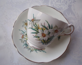 Vintage Regency English Bone China Tea Cup and Saucer White Narcissi Pattern Lovely Bridesmaid's Gift Vintage Wedding Decor
