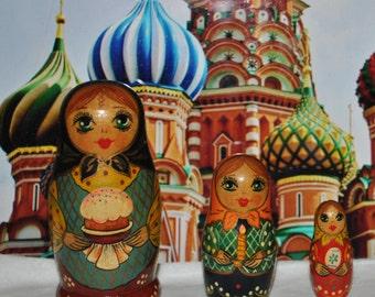 Matryoshka Nesting Babushka Dolls made in Russia! Cute & Tiny Fun!!!