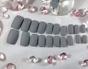 matte press on nails,fake nails,false nails,glue on nails,coffin nails,short nails,matt nails,mat nails,unshiny nails,matte nude,matte gray