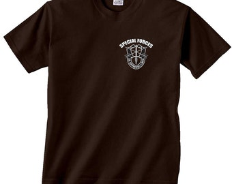 US Army Special Forces De Opresso Liber Liber Chest Print T-Shirt